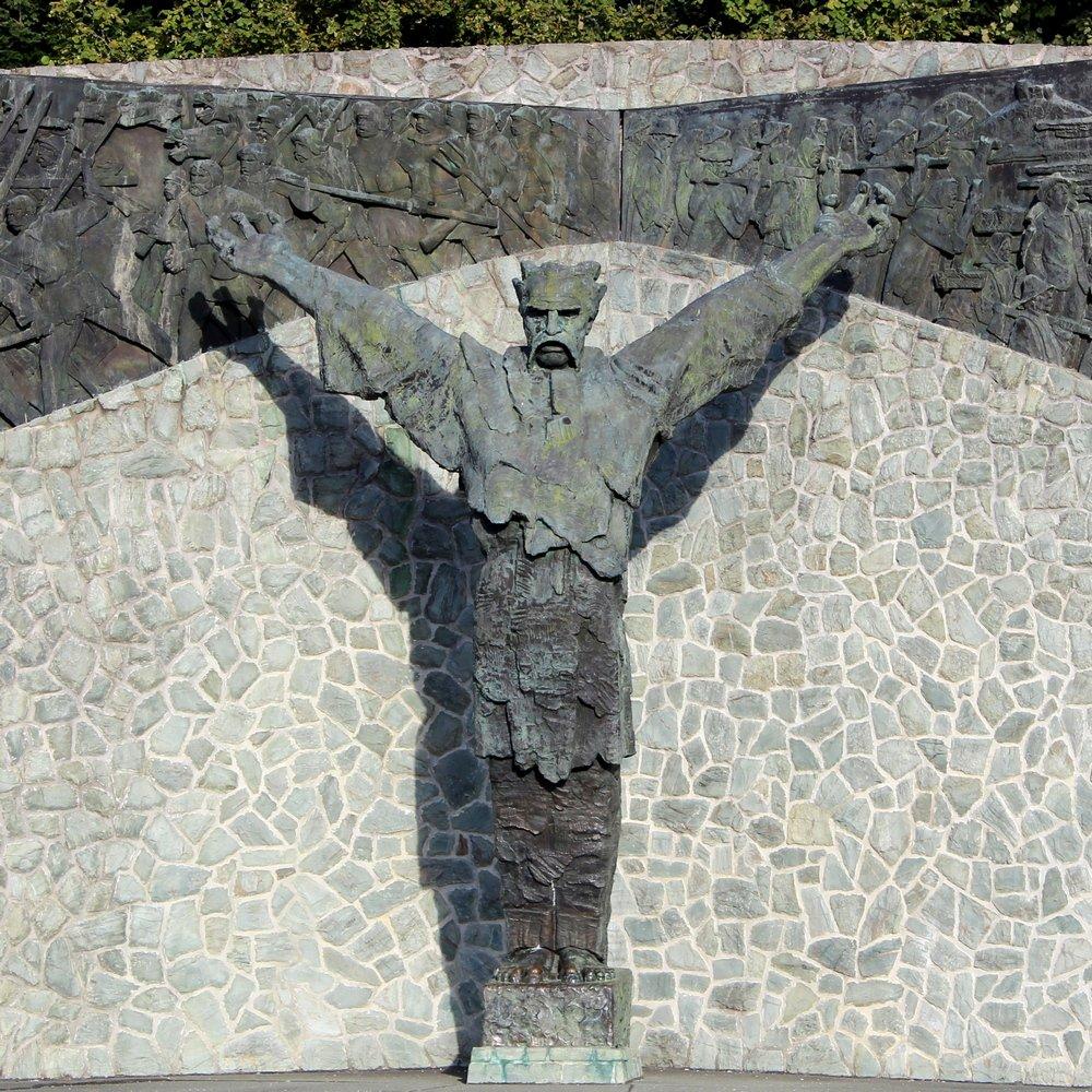 Hrvatski velikani - izlet u Gornju Stubicu, kip Matija Gubec, rad kipara Antuna Augustinčića