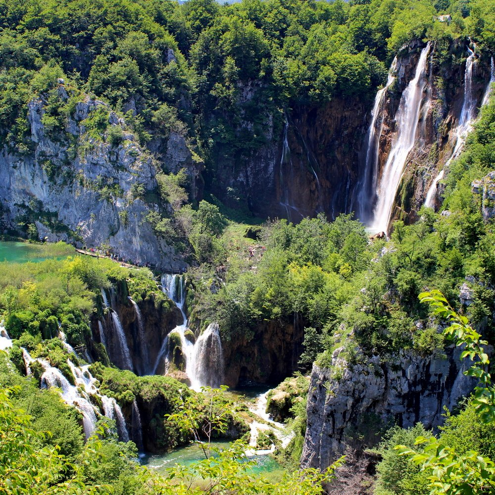 Day trip to Plitvice Lakes National park waterfalls