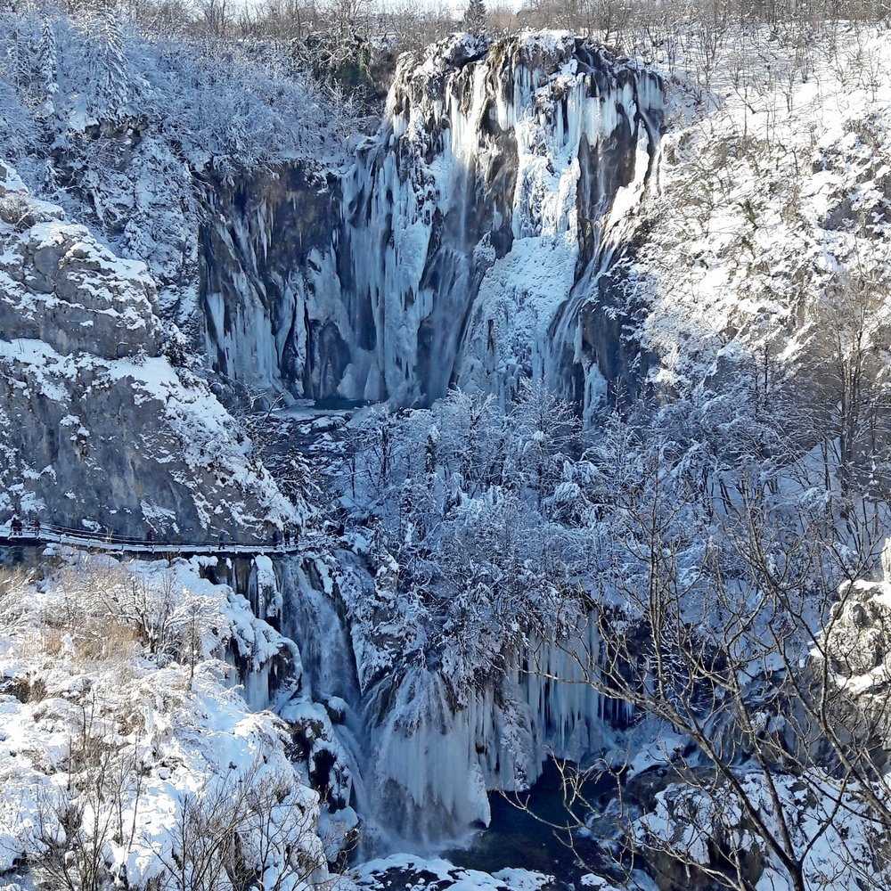 Winter Day trip to Plitvice Lakes