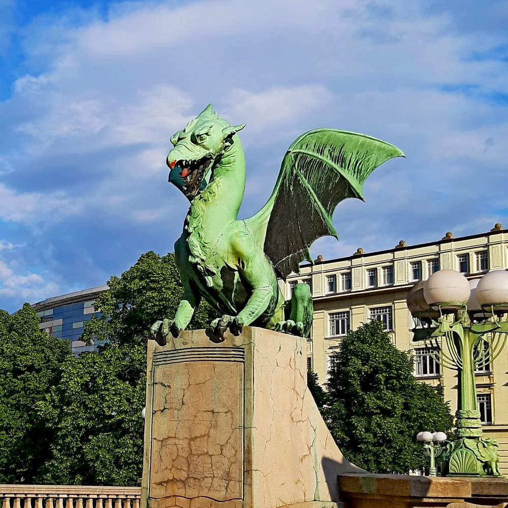 Ljubljana sightseeing trip with dragon bridge